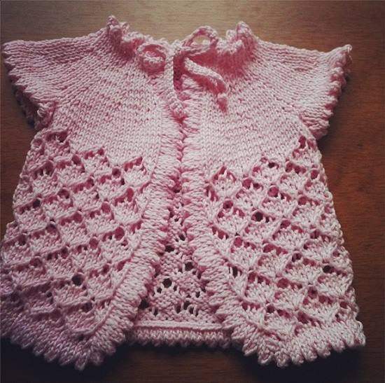Receita de tricô traduzida : Sweater Baby Cherry Blossom