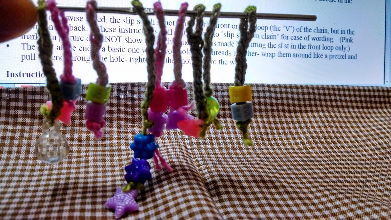 Boas Notícias – Marcadores feitos de crochê