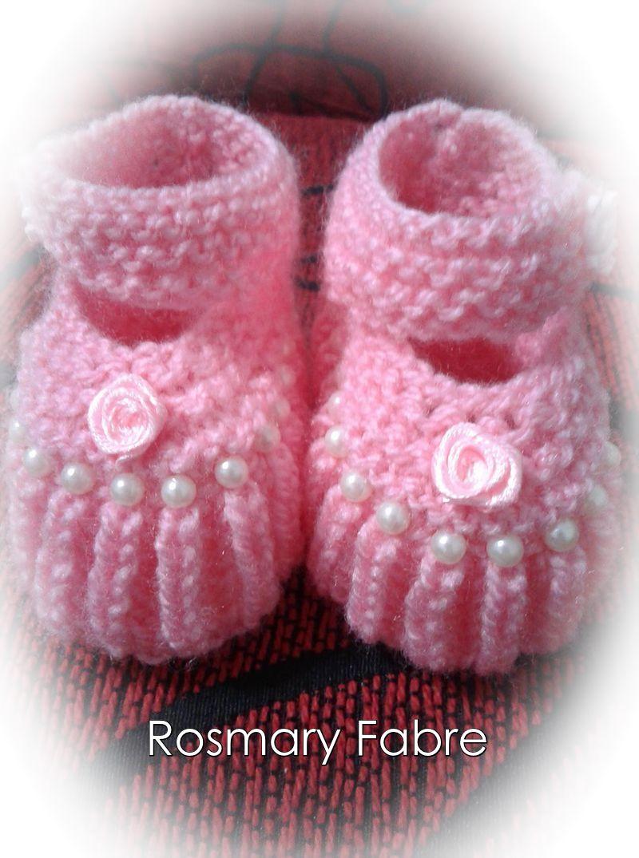 Sapatinho de tricô com pérolas| Um doce de lindo | By Rosemary Fabre