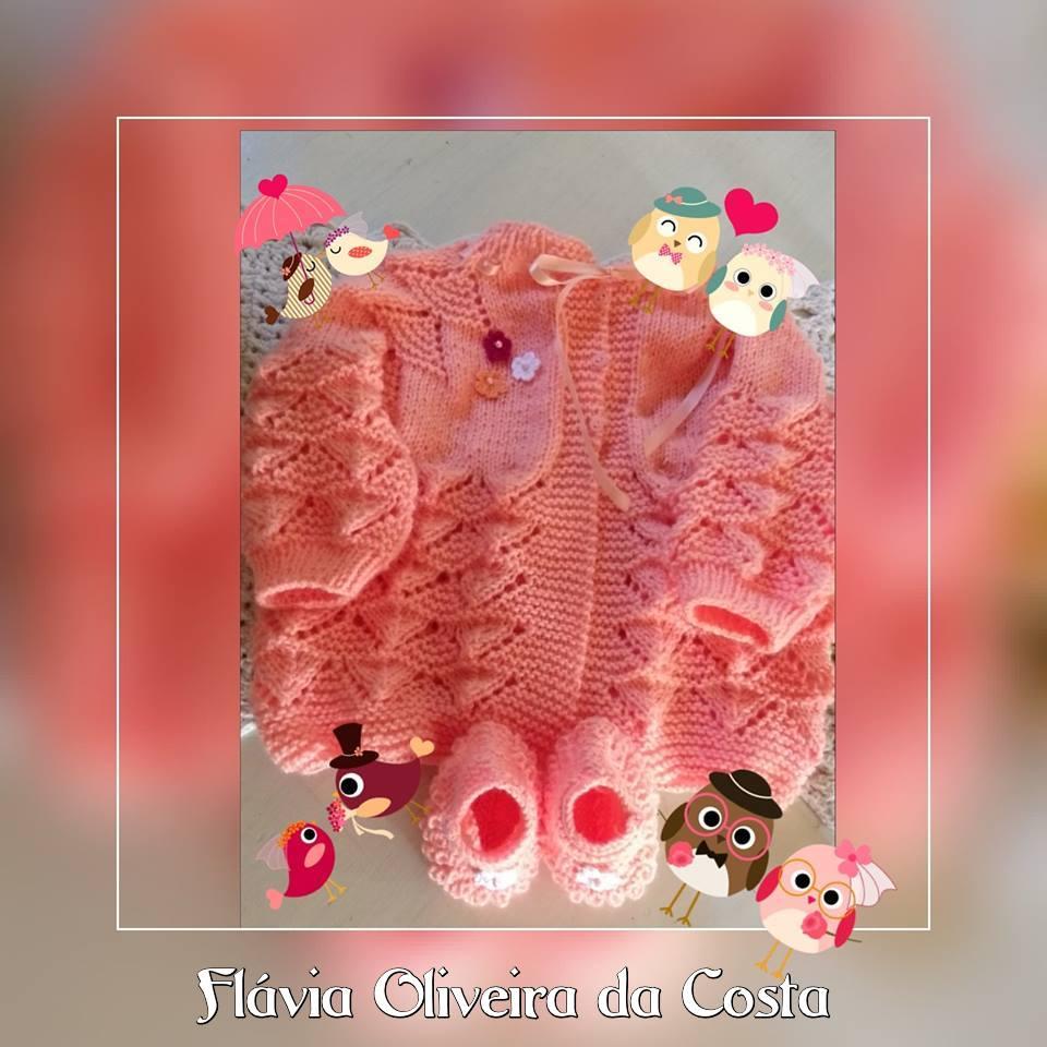 Casaquinho de tricô e sapatinho de tricô | Angell Carla e Flávia Oliveira da Costa