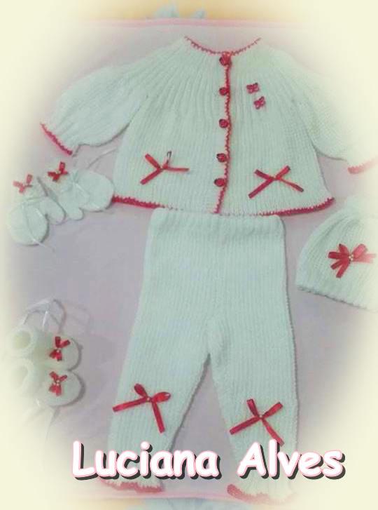 Conjunto para bebê em tricô da Luciana Alves