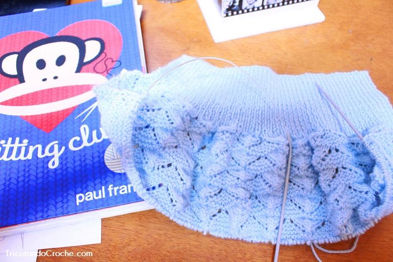 Tricotando pouco – Calça 50 % feita