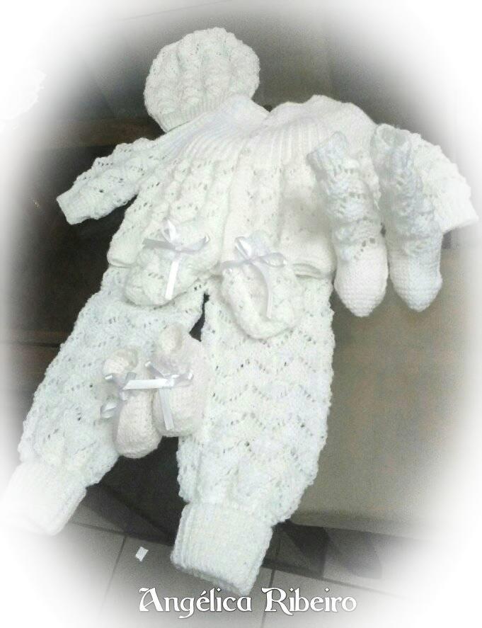 Conjunto de trico para bebe / Angelica Ribeiro